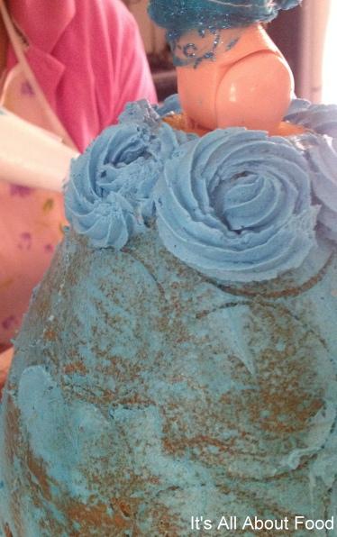 Elsa & Anna Cake2