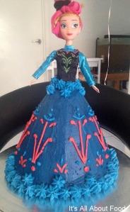 Elsa & Anna Cake9